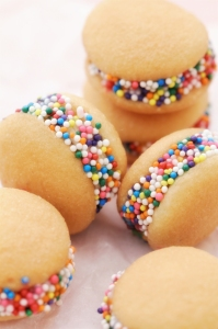 Banilla-Sandwich-Cookies_Bakers-Royale-2-copy1