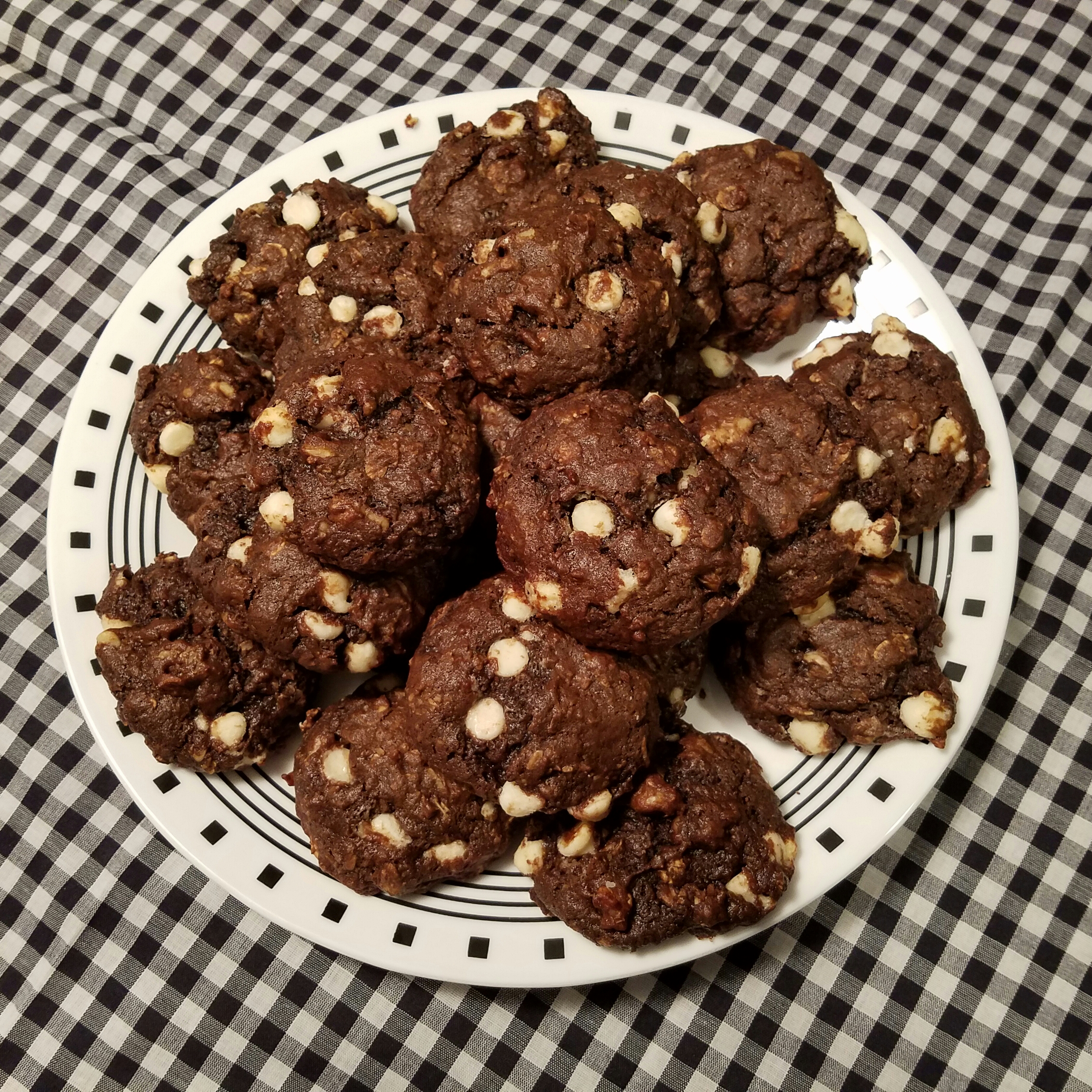 Chocolate, Banana, White Chocolate Chip Cookies – low carb ...